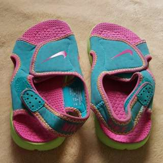 Nike kid's footwear Size 11.5 UK