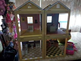 Room by Room Doll House and Polly Pocket Dolls and Travel Vehicle