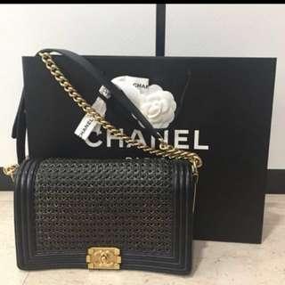 Chanel boy old medium