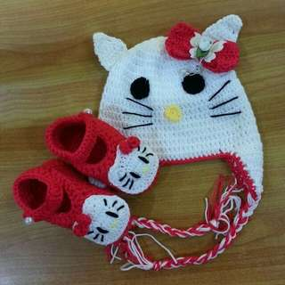 handmade baby crochet hello Kitty