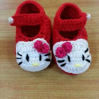 handmade crochet baby shoes