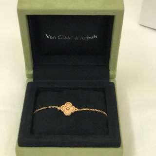 Brand New VCA Van Cleef & Arpels bracelet Sweet Alhambra Rose Gold 玫瑰金