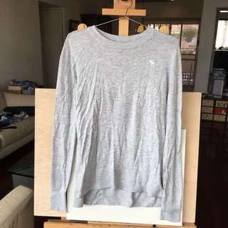 🚚 Abercrombie &fitch 淺灰logo針織長袖