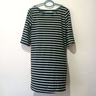 Black and White Stripes Casual Shift Dress with Mid-length Sleeves