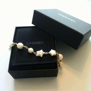 [NEW] CHANEL ivory faxu-pearl star shaped bracelet 2018 象牙白色 星星手鏈手鍊手飾 可愛 高貴OL至愛 新款