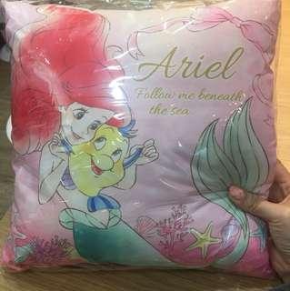 🚚 正版迪士尼小美人魚午睡枕