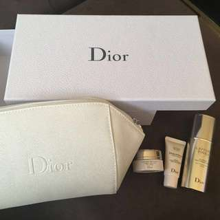 🚚 迪奧Dior逆時完美再造保養組(含化妝包&原廠壓紋硬盒)