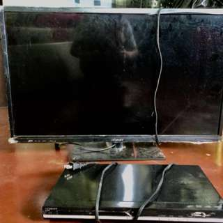 "32"" Devant TV with DVD Player"