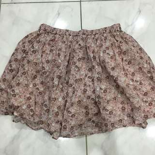 Gap Kids floral skirt for only RM15!