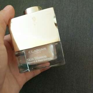 Bedak Clarins Skin Illusion Mineral & Plant Extracts