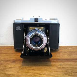 Rare vintage Zeiss Ikon Nettar 518 medium format camera