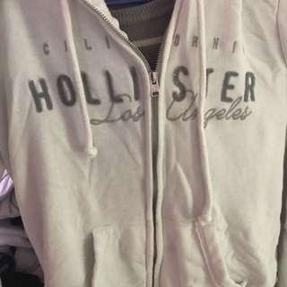 Hollister外套價錢可議