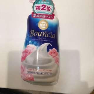 日本Bouncia牛乳沐浴露