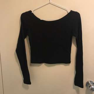 Black long sleeves crop