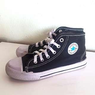 TomStar Sneakers