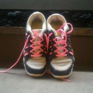 (Preloved) Sepatu Merk Nike