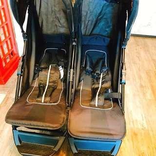 (幾乎全新)雙人推車 五點式安全帶