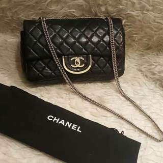 Chanel seri #11 comes with dustbag