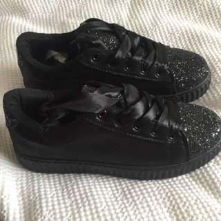 Black sparkle creeper runners brand new