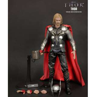 Hot Toys MMS146 & 148 - Thor and Odin
