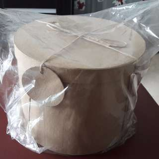 Round cardboard box - height 20cm X diameter 25cm