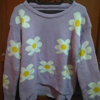 Sweater Ungu Motif Bunga