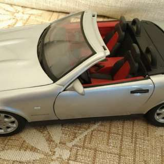 大出清 Merceded Benz SLK 230 Scale 1:18 模型車