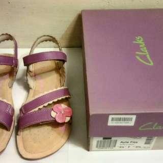 Sepatu Sandal Cewek Merk Clarks