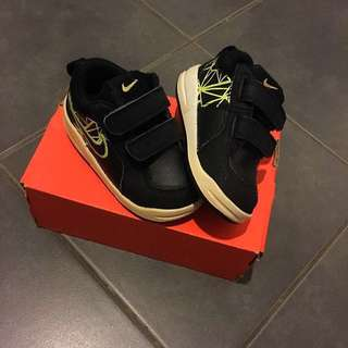 Nike shoes for kids (12cm)