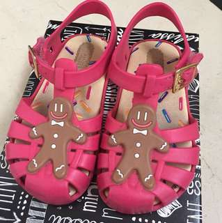 Mini Melissa aranha gingerbread man shoes size US 7 *authentic*