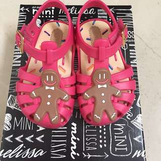 Mini Melissa aranha gingerbread man size US 5 *brand new unworn*