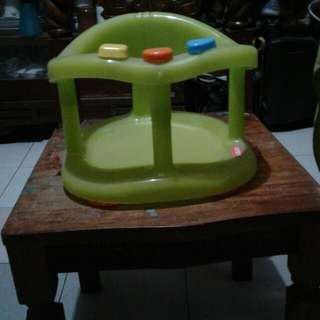 Repriced!!!!Baby bath seat (Keter)