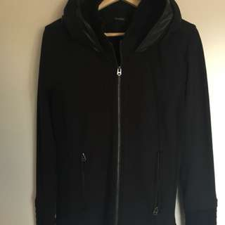Super stylish black jacket, retractable hoodie