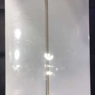 Brand new iPad Air 2 4g 32Gb gold