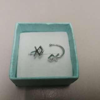Silver EXO Winter album logo ear clip