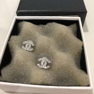 [Preowned] Mini Size Chanel Earring