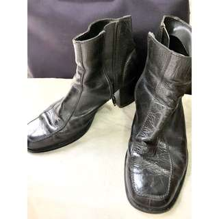 Sepatu boots edward forrer