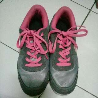 Sepatu Nike (not ori)