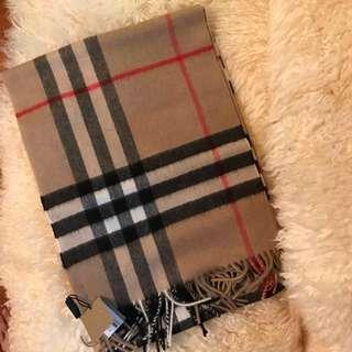 全新正貨Burberry classic經典卡其色頸巾圍巾