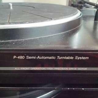 Teac Semi-automatic belt-drive turntable