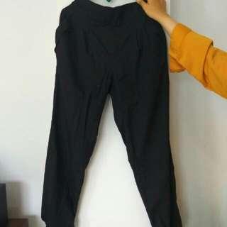 Celana Hitam Panjang