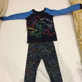 Gap dinosaur pyjamas age 3 boys