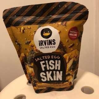 食唔停口之新加坡IRVINS 鹹蛋味魚皮 105g