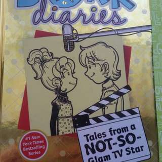 DORK DIARIES SET! Not so- happily ever after, Glam TV star & LIMITED edition Holiday Heartbreak