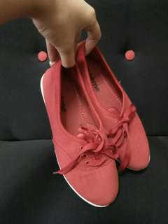 Creme - Red sneaker