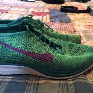 "Nike Flyknit Race ""Hyper Grape-Volt"". Size 10.5 US"