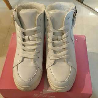 White High Cut faux fur Sneakers