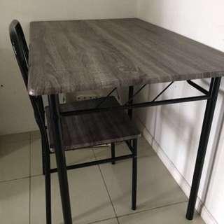 Meja makan - dining table