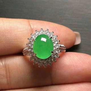 緬甸翡翠玉戒指,碎鑽周邊,18K白金,10.1*8.7*11.5 mm