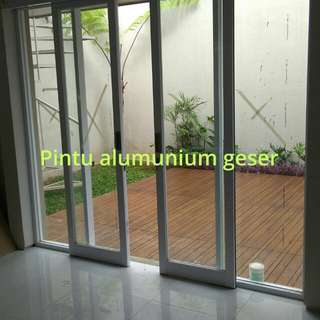 Kusen pintu alumunium